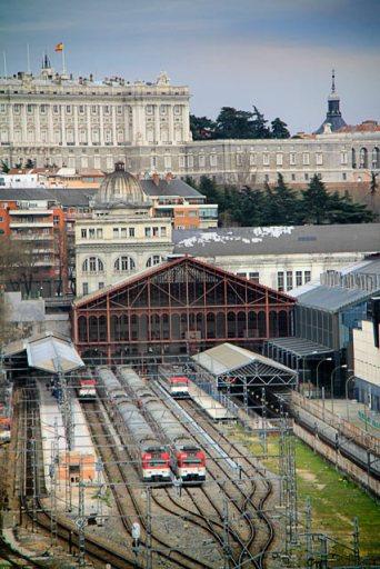 Estação Príncipe Pío e Palácio Real vistos do teleférico