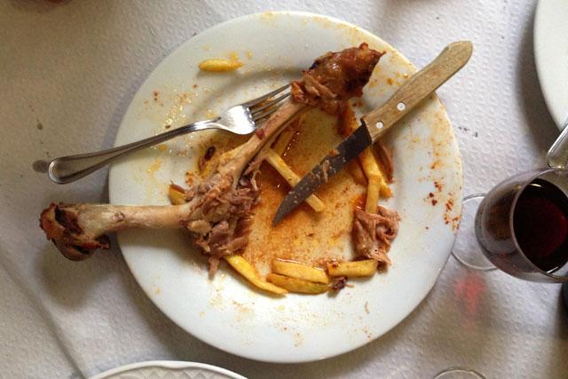 Restos de cordeiro, na Cafetería Rincón de Atocha