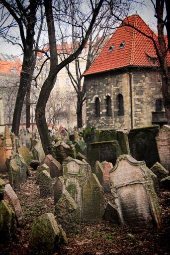 Cemitério Judaico (Starý židovslý hřbitov)