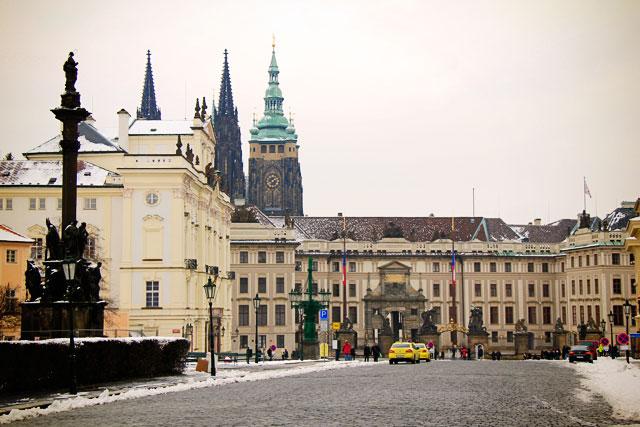 Praça do Castelo. Palácio de Sternberg à esquerda