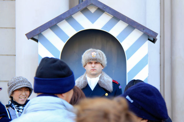 Soldado da Guarda Real, na entrada do Castelo de Praga