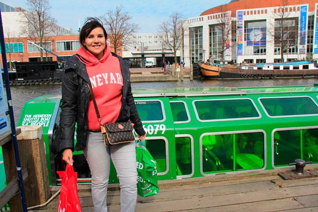 Barco do Heineken Experience nos deixa próximos à Brand Store para mais compras