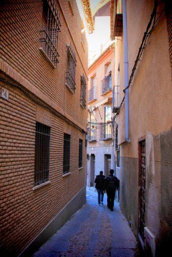 Perdidos pelas ruelas estreitas de Toledo