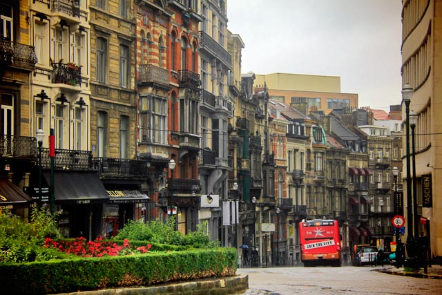 Rue Lebeau vista da Place du Grand Sablon