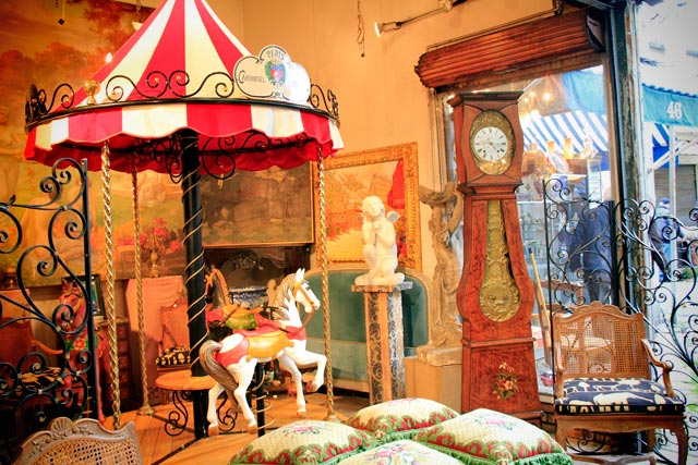 Antiguidades do Marché Vernaison