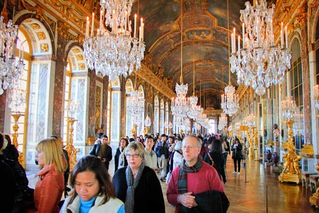 Salão dos Espelhos, no Palácio de Versalhes
