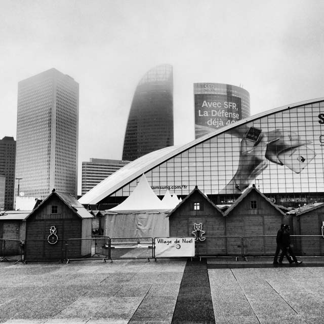 Praça Parvis de la Défense (via Instagram)