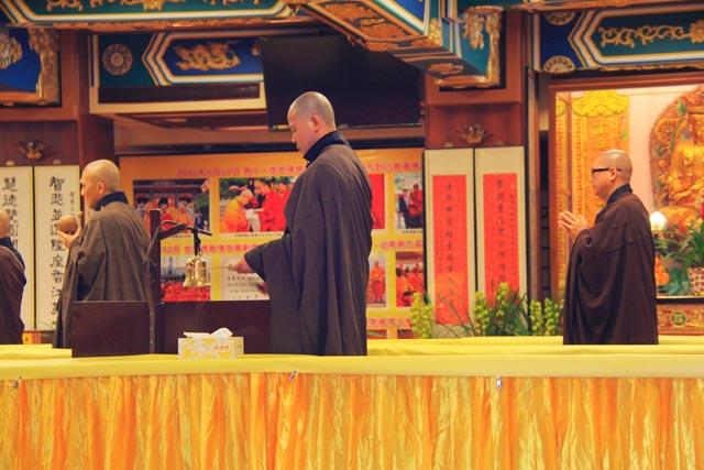 Monges no Po Lin Monastery