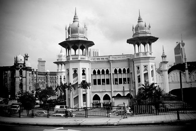 Estação Ferroviária de Kuala Lumpur (Stesen Keretapi Kuala Lumpur)