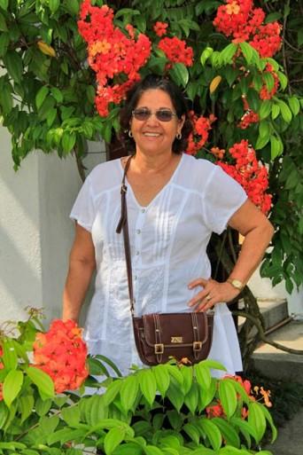 Maria, no Hibiscus Garden