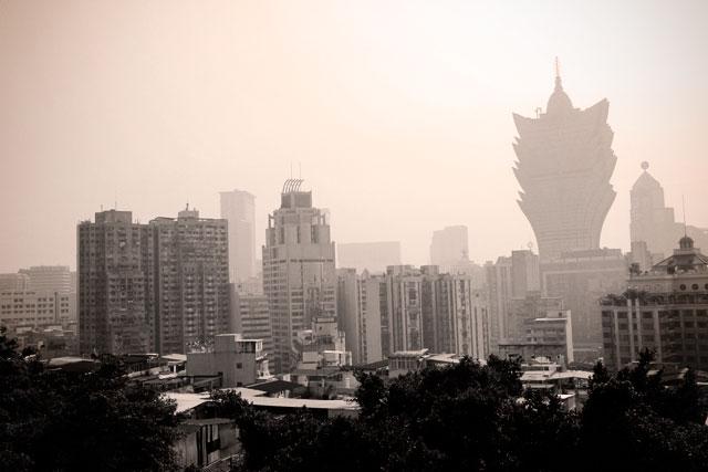 Macau vista da Fortaleza do Monte. Destaque para o hotel Gran Lisboa.