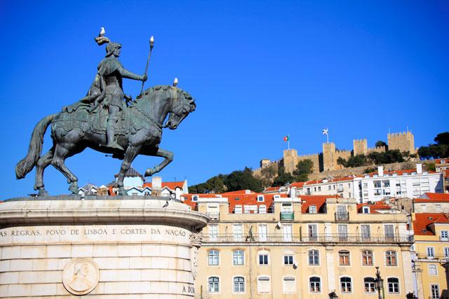 Praça da Figueira. Destaque para a estátua de D. João I (foto tirada dois dias depois)