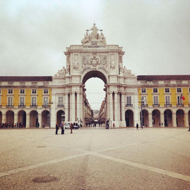Arco do Triunfo da Rua Augusta, visto da Praça do Comércio (via Instagram)