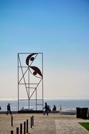 Escultura às margens do Tejo