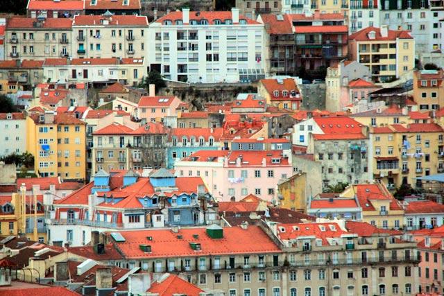 Lisboa vista do Miradouro de São Pedro de Alcântara