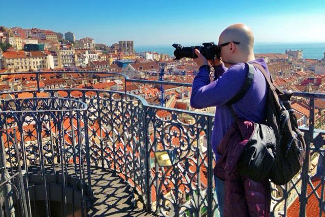 Eu, no Elevador de Santa Justa, Lisboa