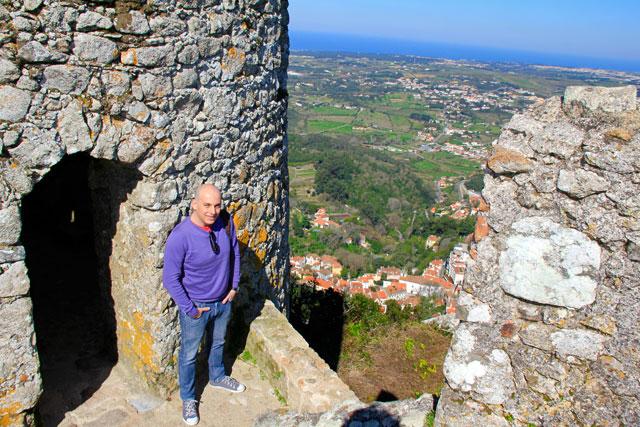 Uma das torres do Castelo dos Mouros