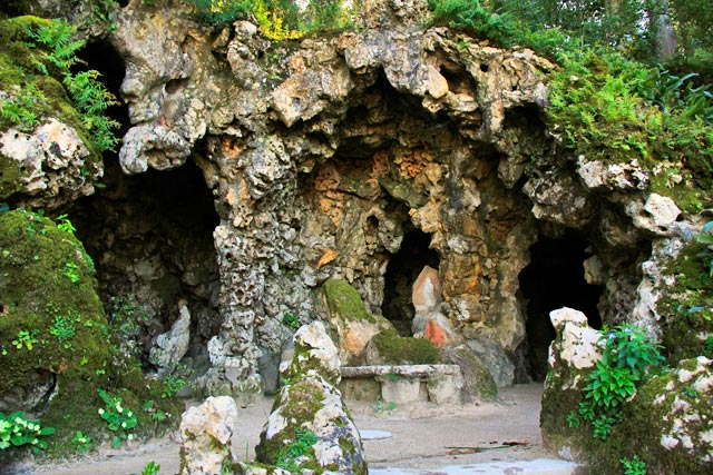 Gruta do Aquário, na Quinta da Regaleira
