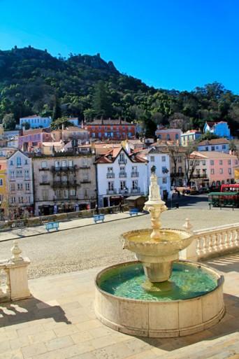 Fonte na entrada do Palácio Nacional de Sintra