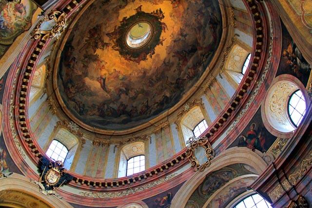 Cúpula da Peterskirche