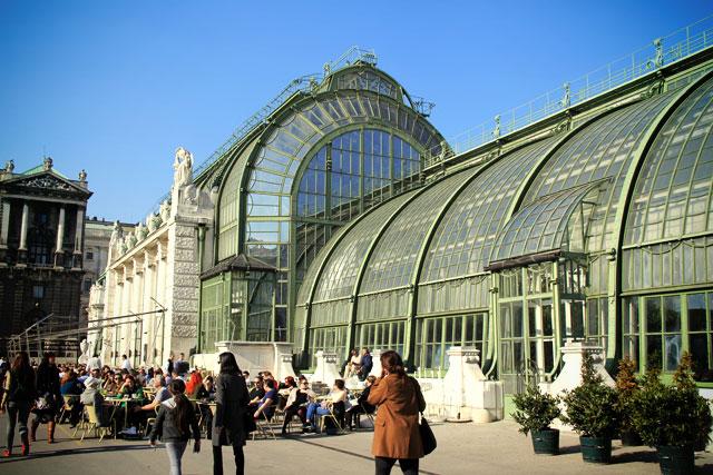 Edifício em art nouveau que abriga a Schmetterlinghaus e a Palmenhaus