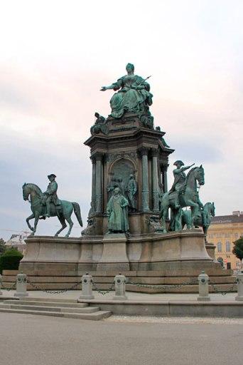 Monumento a Maria Teresa, na Maria-Theresien-Platz