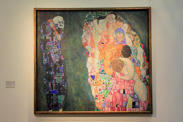 A Vida e a Morte, do pintor austríaco Gustav Klimt, exposta no Leopold Museum