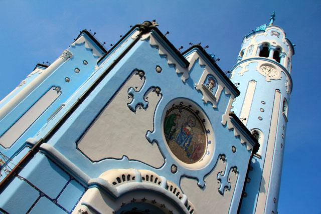 Kostol svätej Alžbety, a Igreja Azul