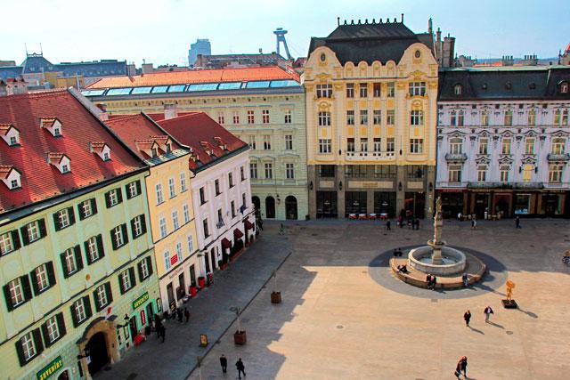 Hlavné námestie (Praça Principal), em Bratislava