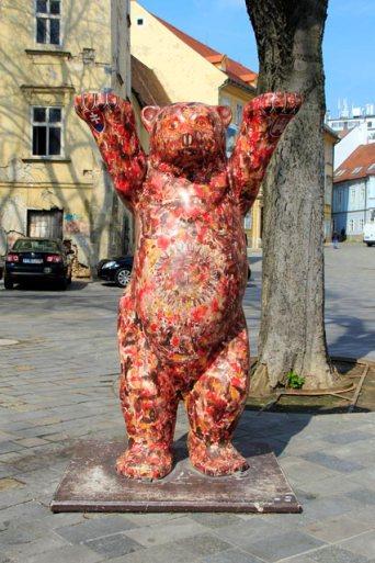 Estátua de um Buddy Bär, do projeto United Buddy Bear, na