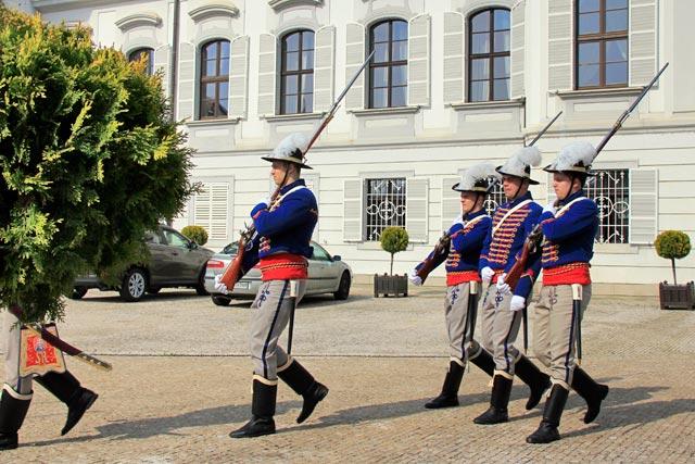 Troca da guarda do Prezidentský palác