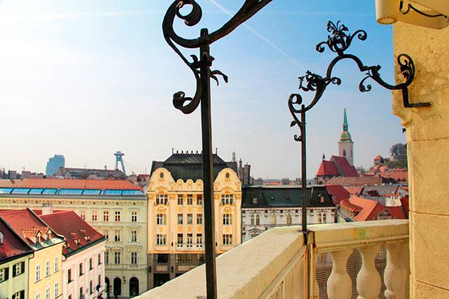 Edifícios da Praça Principal vistos da torre da Antiga Prefeitura