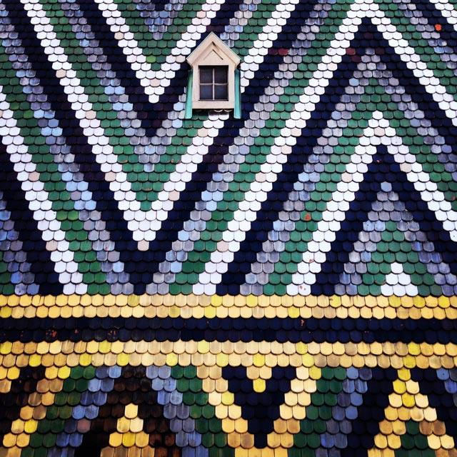Detalhe do telhado de azulejos da Stephansdom (via Instagram)