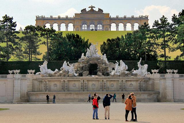 Neptunbrunnen, no Schloss Schönbrunn