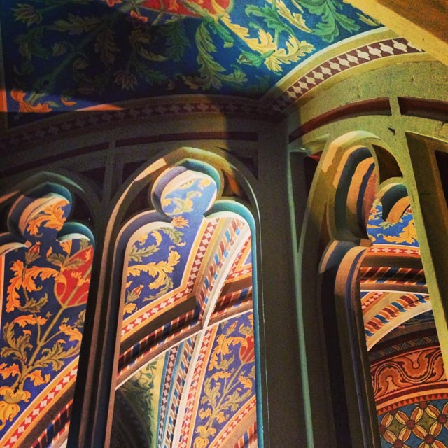 Detalhe da decoração interna da Igreja de São Matias (via Instagram)