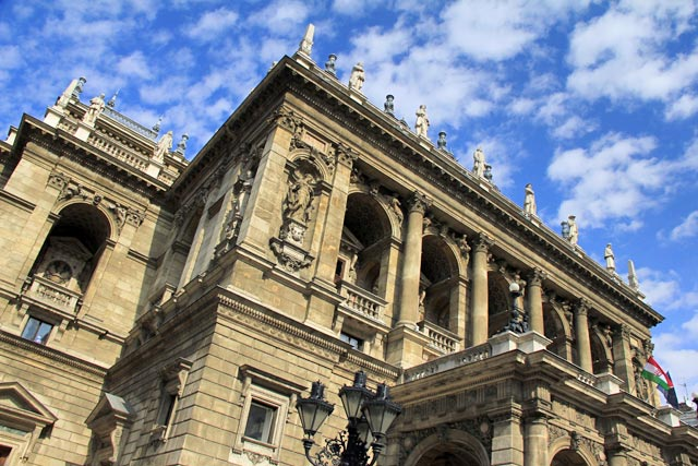 Magyar Állami Operaház (Ópera Estatal Húngara)