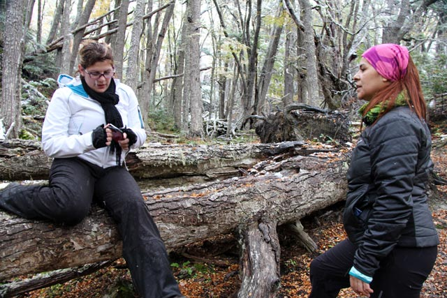Pausa para descanso, na Senda Pampa Alta, no Parque Nacional Tierra del Fuego