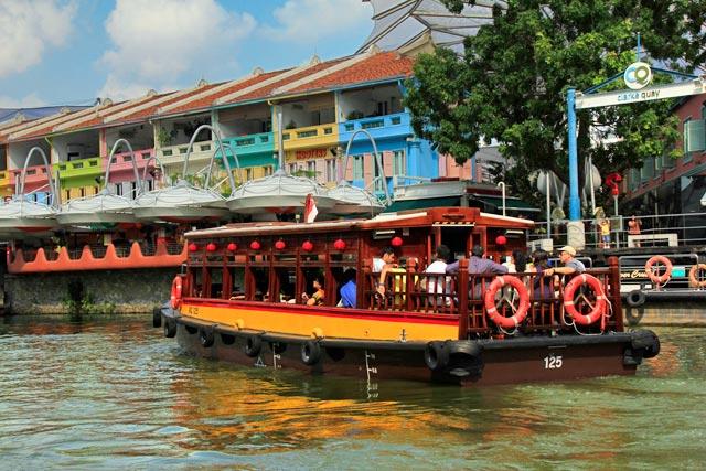 Clarke Quay, visto do passeio de barco pelo Rio Singapura