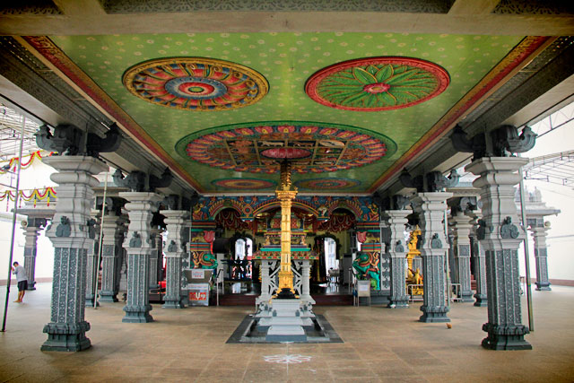 Sri Srinivasa Perumal Temple, em Little India