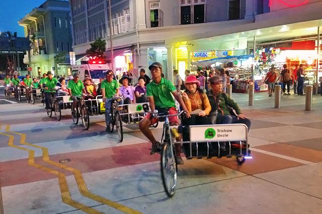 Ciclo-riquixás da Trishaw Uncle, na Queens Street