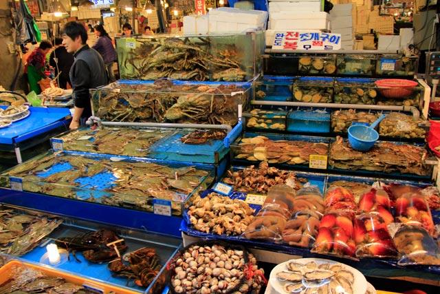 Banca de frutos do mar, no Noryangjin Fisheries Wholesale Market