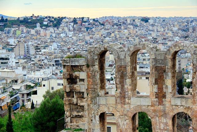 Detalhe da fachada do Odeão de Herodes Ático