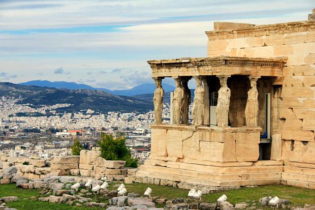 Detalhe do Erecteion, monumento situado na Acrópole, em Atenas