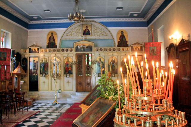 Igreja ortodoxa de Santa Sofia, na Rua Dionysiou Areopagitou
