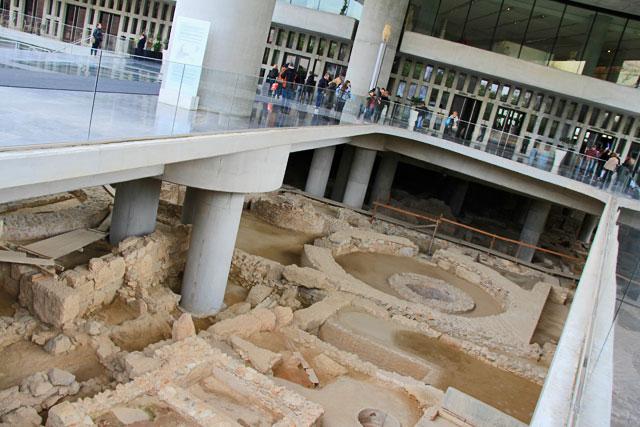 Escavações na entrada do Novo Museu da Acrópole