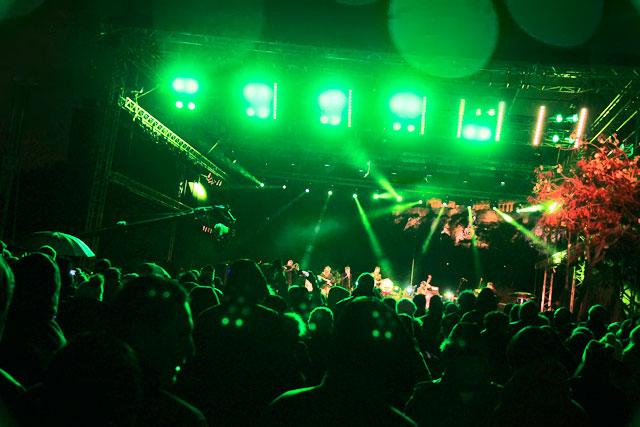 Show da virada de ano em palco montado na Praça Jacqueline de Romilly