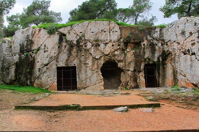 Prisão de Sócrates, no Monte Philopappou