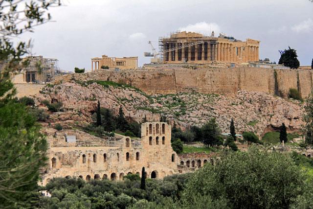 Acrópole e Odeão de Herodes Ático vistos do Monte Philopappou