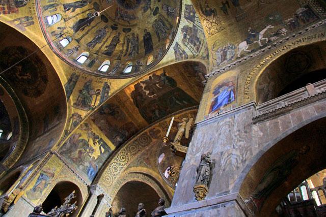 Mosaicos bizantinos da Basilica di San Marco