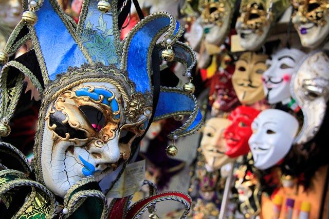 Banca de máscaras, na Riva degli Schiavoni